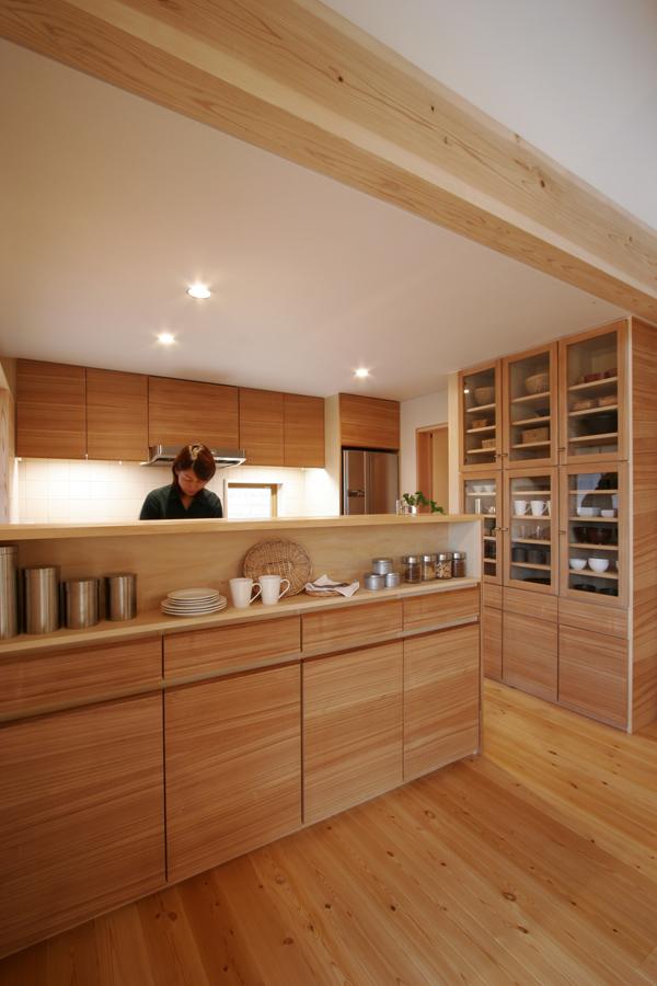 日建ホームのモデルハウスにある造作家具によるキッチン