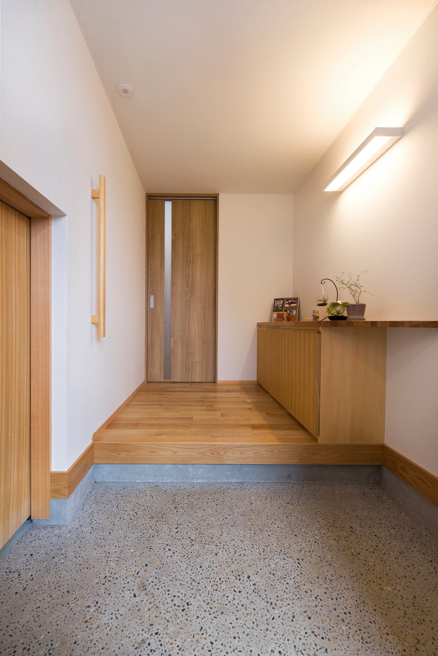 落ち着いたシンプルな玄関