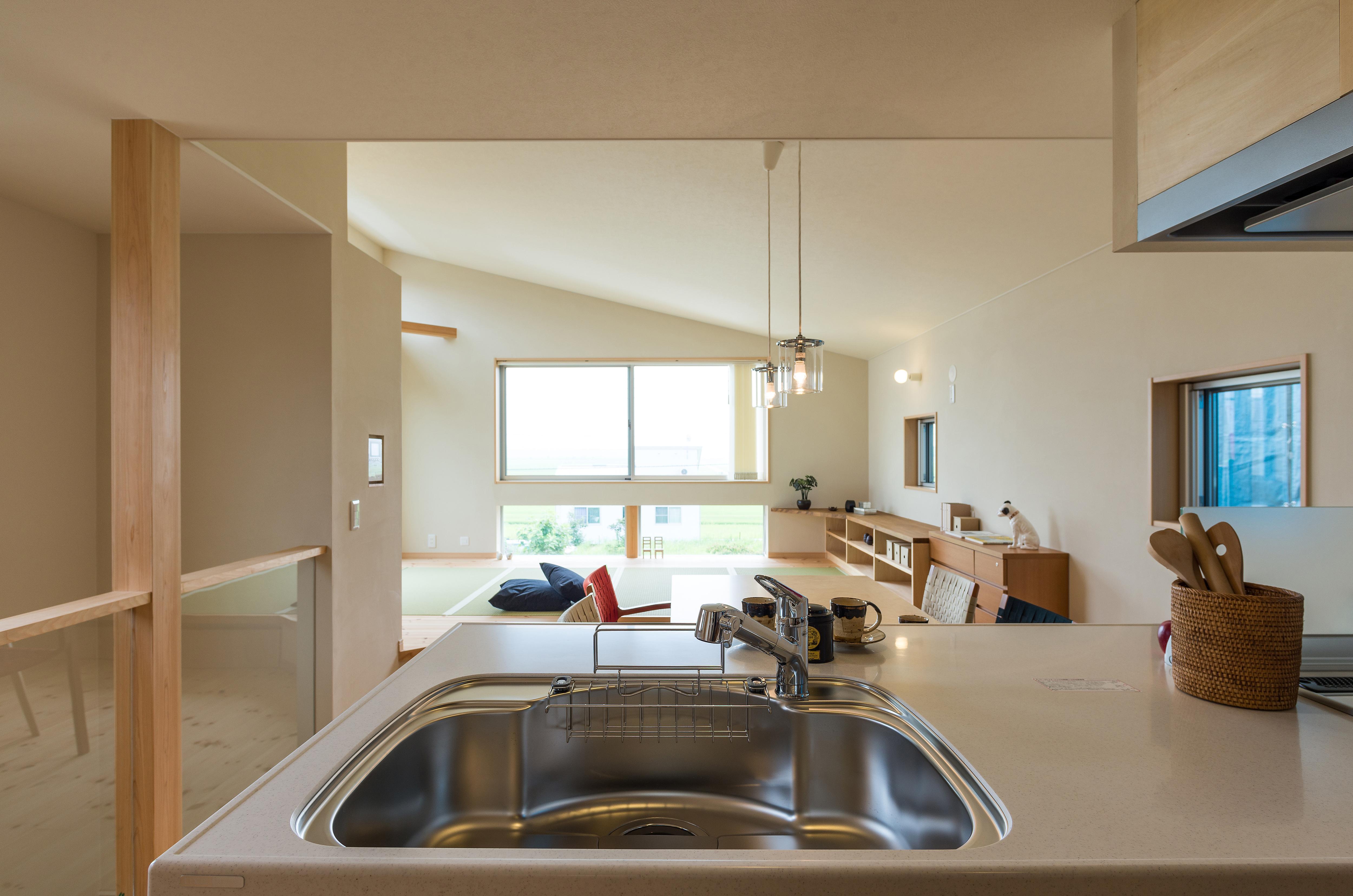 2階リビングのある家の建築実例(キッチン)