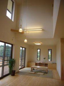 全館空調の吹き抜けのリビングの建築実例