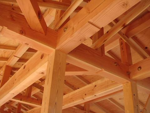 木の家の構造材(梁と柱)構造材こそが木の家の魅力