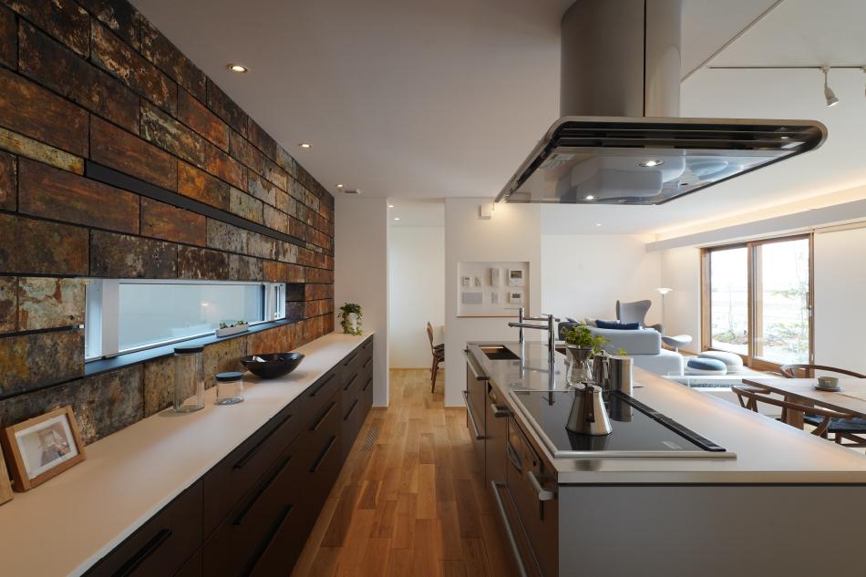 全館空調など多機能のコントロールパネルの実例:キッチンとリビング壁に集約されて便利です
