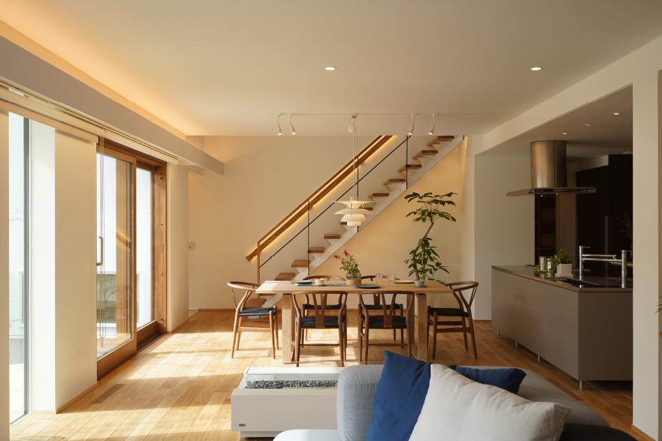 全館空調の快適な空間を体験できる日建ホームのモデルハウスLIVNIG DESING nexの内観