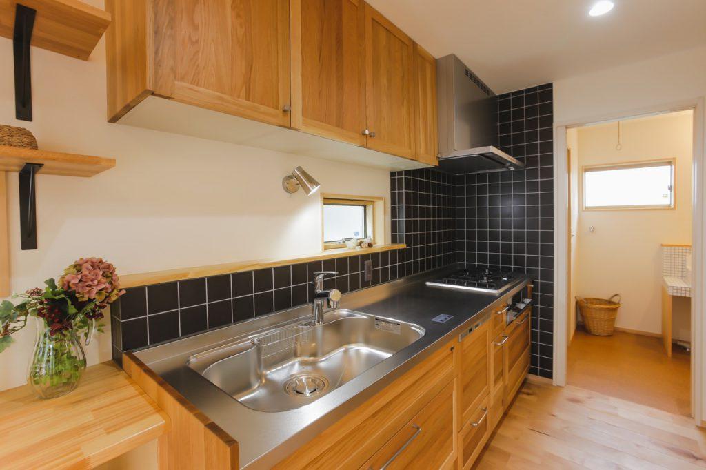 木の家の建築実例:木製キッチン
