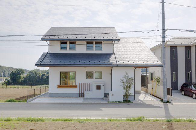 二世帯住宅の外観(遠景)
