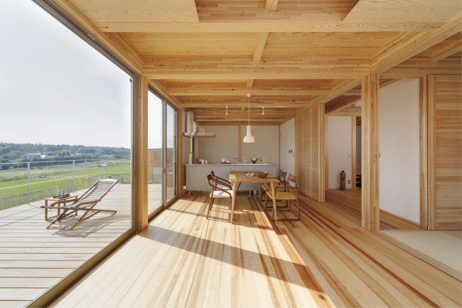 新築二世帯住宅の建築実例:リビングの内観