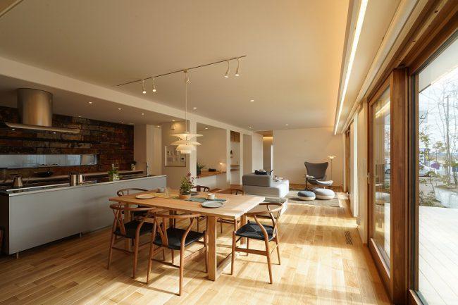 二世帯住宅のリビングに和室を配置した事例